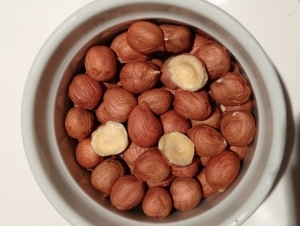 500g Raw Hazelnuts Bulk Pack